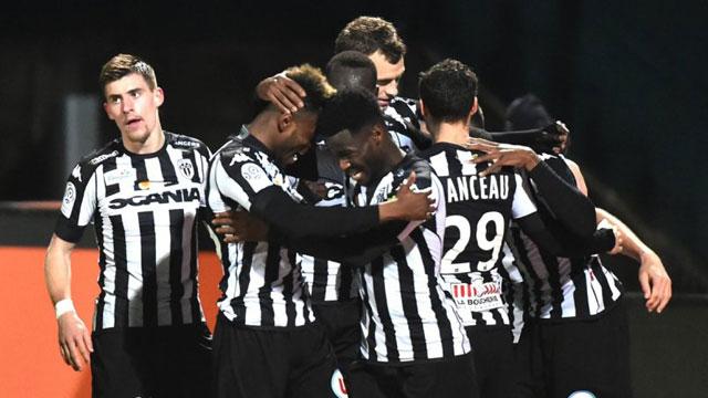 วิเคราะห์ฟุตบอล 16 ม.ค 64ฟุตบอลลีกเอิง ฝรั่งเศส 2020/2021 เวลา 03:00 อองเชร์ พบ ปารีส แซงแชร์กแมง